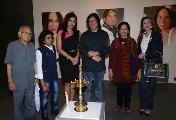 An exhibtion of portraits of famous personalities by Bharat Singh